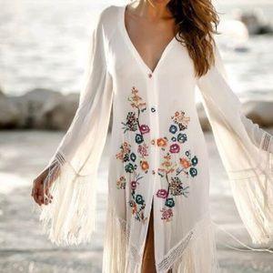 Dresses & Skirts - Floral tasseled maxi dress